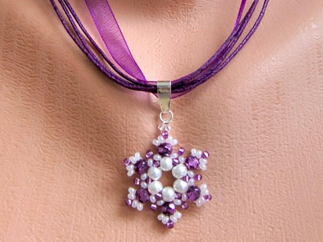 fialový náhrdelník