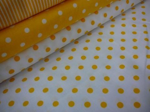 baba52559b28 Bavlněná látka žlutý puntík na bílé tašky peněženky patchwork bavlna  polštáře šití obrázek látka panel metráž
