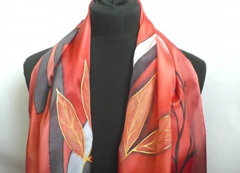 bb2a9c6592b Krepdešínová šála. červená černá hedvábí malovaná hedvábná šála