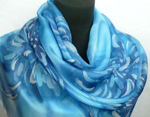Simira - Modré chryzantémy. Hedvábná šála. - jena c27b90ec1c