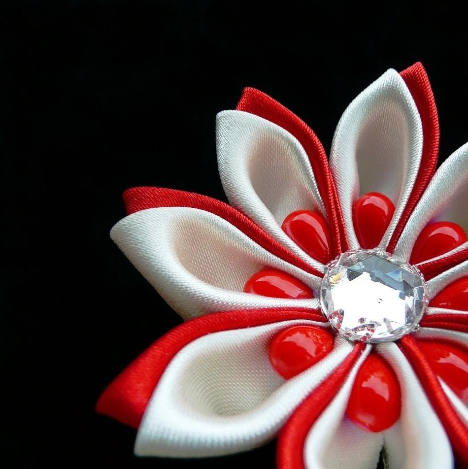 Kanzashi květ smetanová červená