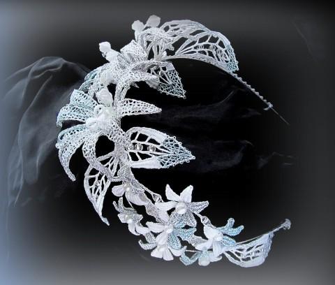 2c36075d0d7 Svatební tiara originální bílá čelenka extravagantní krajka stříbrná  paličkovaná svatební blankytná nevěsta tiara