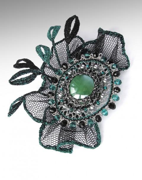 2732a64cde3 Odeta spona originální zelená černá ozdoba krajka stříbrná paličkovaná  smaragdová účes