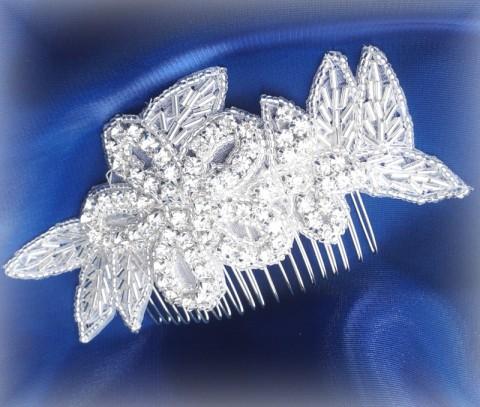 SVATEBNÍ OZDOBA DO VLASŮ štrasová šperk dárek vlasy bílá svatba čelenka  korunka luxusní bižuterie perličky perly 09a5a97015