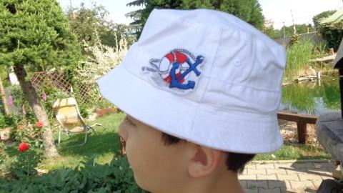 Klobouček bílý-Námořník originální klobouk slunce námořnický kotva originál  klobouček kapr sluneční rybář štika candát 105ceec497