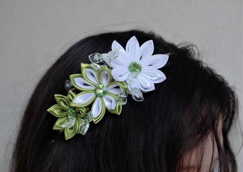 Bílo-zelená čelenka kanzashi vlasy květina květy květiny květ svatba ozdoba  čelenka svatební ples japonsko da0d23596d