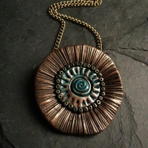 9b7723924 Náhrdelník - Bronzový květ šperk náhrdelník přívěsek květina hnědá patina  bronzová petrolejová originální šperk originální přívěsek
